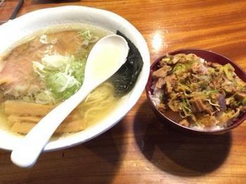 チャーシュー丼と塩.JPG